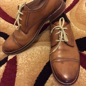 Johnston & Murphy cap toed men's dress shoes